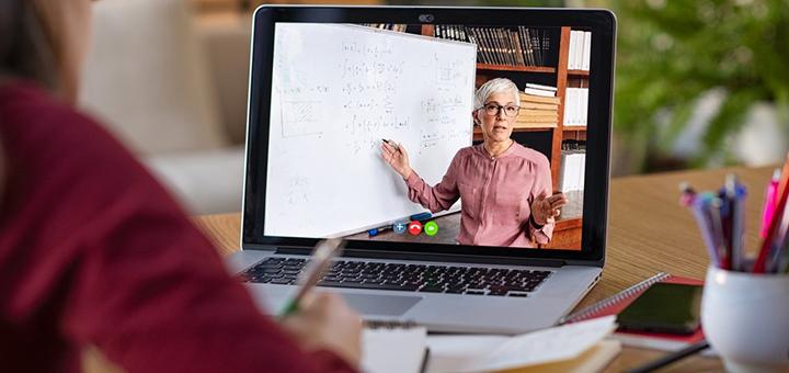 ¿Se dan clases On line de la misma forma que las Físicas?