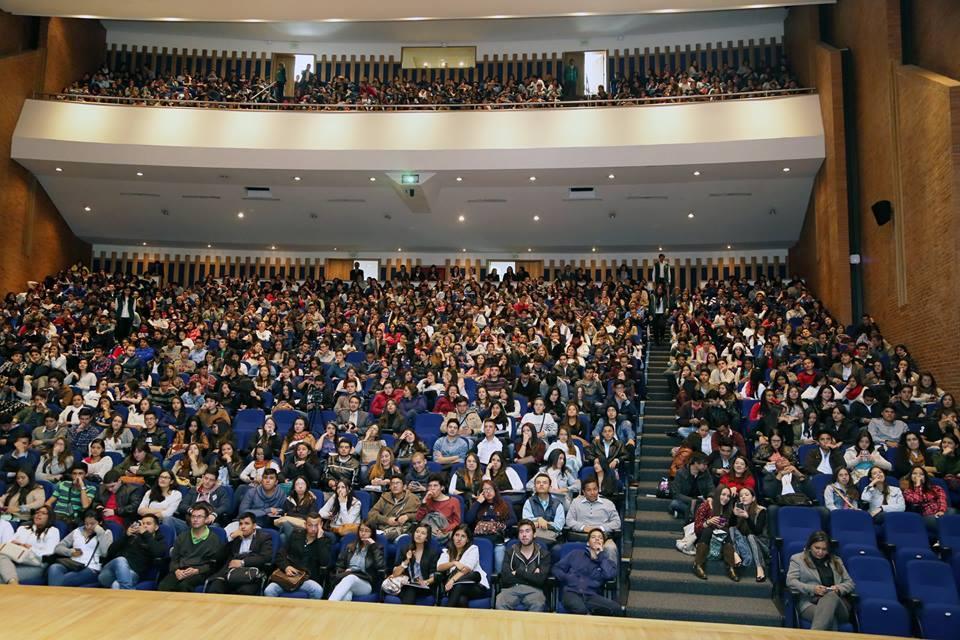 Bienvenida Estudiantes 1- 2015